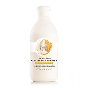 Migdolų pieno ir medaus raminamasis ir puoselėjamasis vonios pienelis