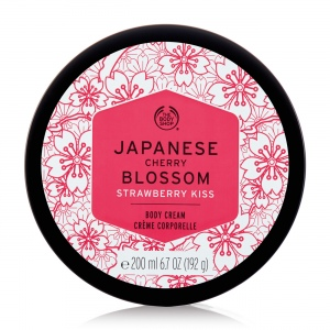 Japanese Cherry Blossom Strawberry Kiss kūno kremas