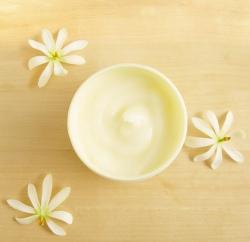 Moringų kūno jogurtas