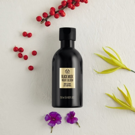 Black Musk Night Bloom kūno pienelis
