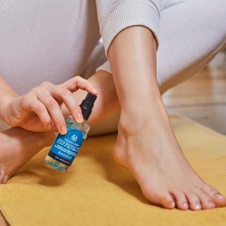 Pipirmėčių vėsinamasis pėdų purškiklis