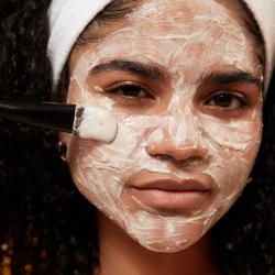 Успокаивающая маска для лица «Миндальное молочко и овёс»