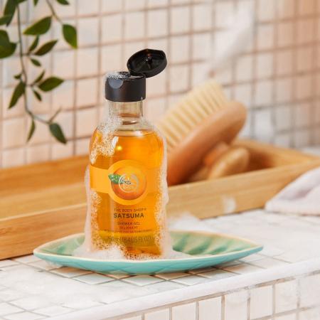Likerinių mandarinų dušo želė