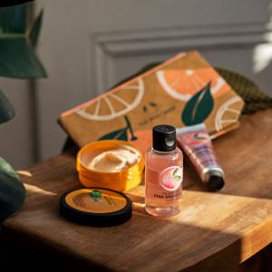 Citrusinių gėrybių dovanų kosmetinė